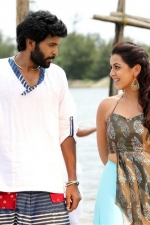 pakka-movie-stills-nikki-galrani-008